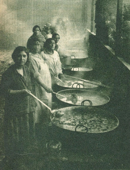 SANTIAGO- 1932: OLLAS COMUNES